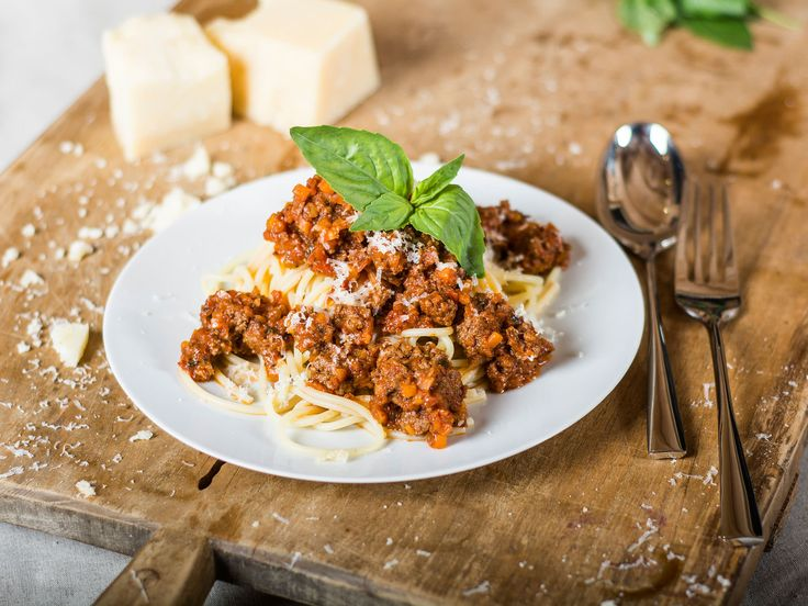 Kitchen Stories - Simple spaghetti bolognese