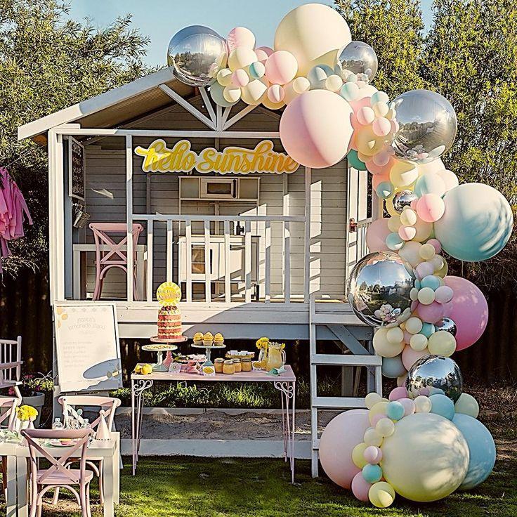 """Perth Balloon Garlands • on Instagram """"Hello sunshine! ☀️"""