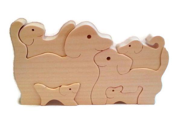 Juguete rompecabezas, rompecabezas de perrito, orgánicos de madera hecho a mano juguetes de madera, rompecabezas de perro, niños juguete, Cachorro, Cachorro,  Diviértete con este rompecabezas de perro de madera apilable Mantener juntos o lo desarma y Mostrar todos los 6 los perros. Perfecto para el estante o como un regalo! Hecho a mano de seleccionar pino nativo en Maine.  Tamaño aprox. es de 8 x 5 x 3/4,  Por favor asegúrese de ver nuestros otros artículos en…