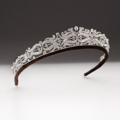 Tapered wave scroll band tiara | Andrew Prince Jewellery