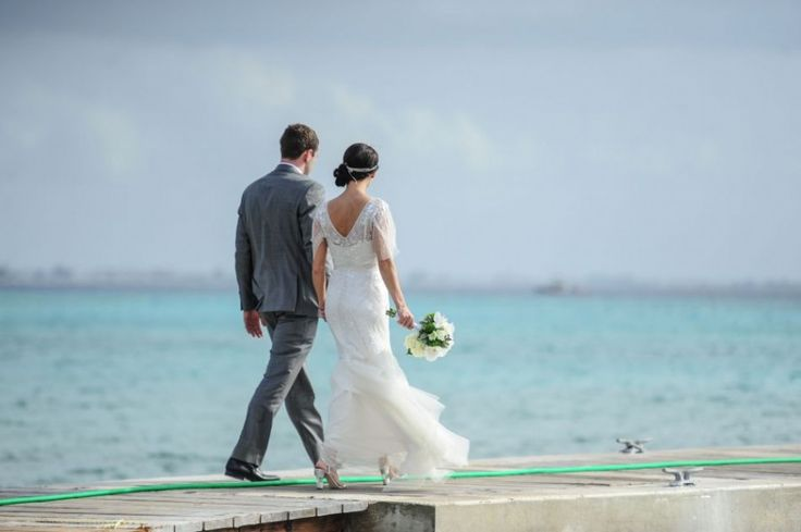 Let us help you in Planning a Perfect Wedding in Cayman Islands. Wedding Planner In Cayman Islands