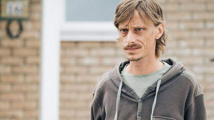 Mackenzie Crook joins Mark and Stuart to talk about both series of Detectorists.