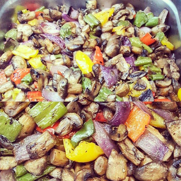 Mantar sote & Sauteed mushrooms #lokantapazar #secmecelezzetler #food #foodie #instafood #foodlover #foodpics #foodblogger #foodshare #foodblog #foodbloggers #foodgram #restaurant #restaurante #gourmet #gurme #chef #chefsofinstagram #chefs #instafoodie #lovefood #foodaddict #foodlovers #foodism #fooddiary #eating #eatwell #eat #istanbulfood