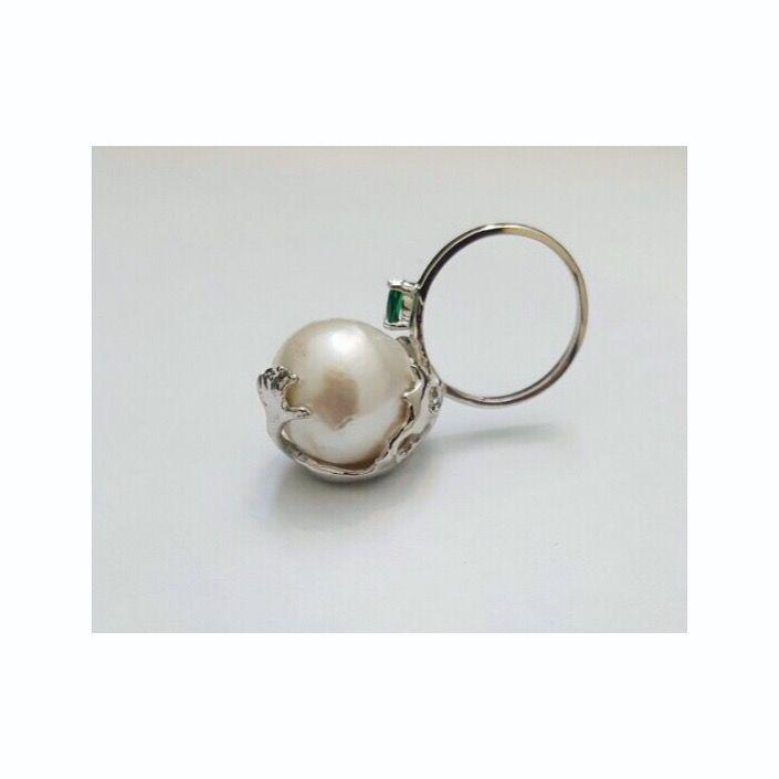Surrealistic, waxcarving, pearl