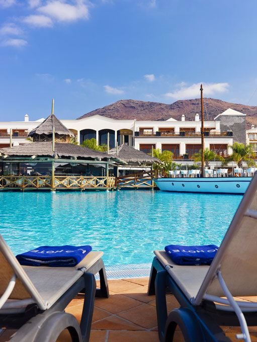 Swimming pool #pool #h10 #h10hotels