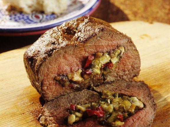 Lamm mit Gemüsefüllung aus Saudi Arabien ist ein Rezept mit frischen Zutaten aus der Kategorie Lamm. Probieren Sie dieses und weitere Rezepte von EAT SMARTER!