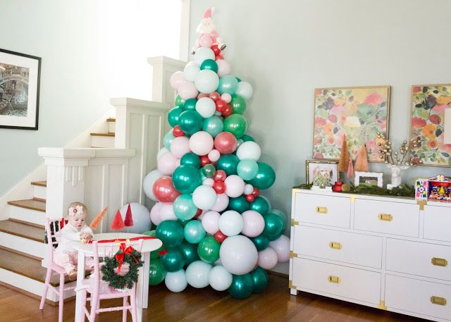 Balloon Christmas Tree For The Love Of Character Christmas Balloon Decorations Holiday Balloons Christmas Balloons