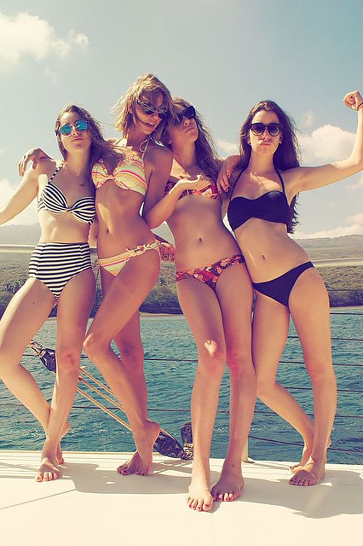 Taylor Swift and the Haim sisters enjoy some time in Maui on Jan. 23, 2015.   - Cosmopolitan.com