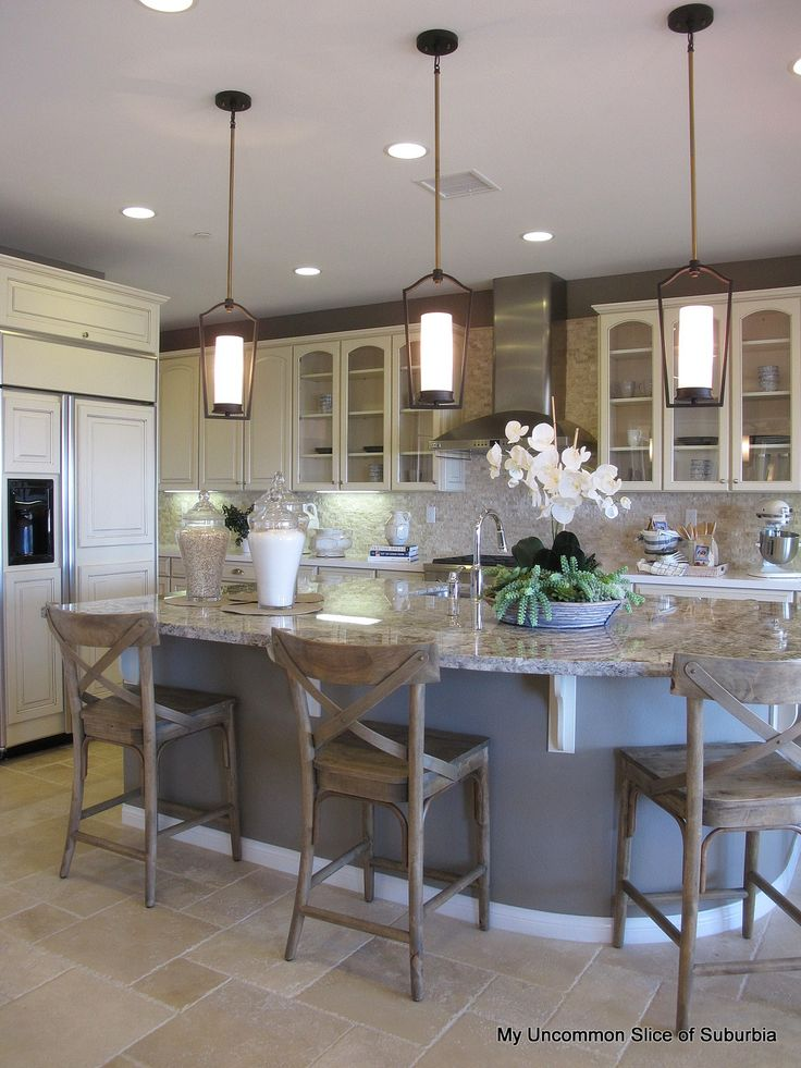 Great color scheme in this kitchen