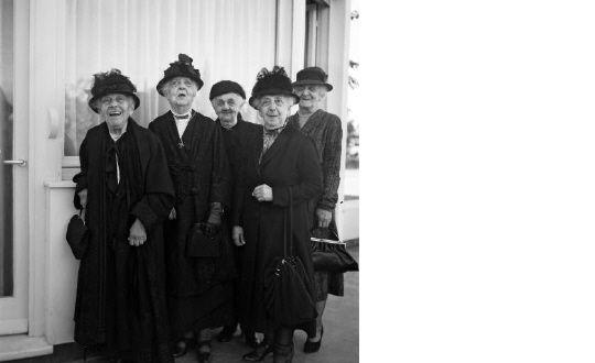 ΠΟΛΙΤΙΣΜΟΧΩΡΟΣ: Φωτογράφοι του περασμένου αιώνα:Νικόλαος Τομπάζης (1894-1986)