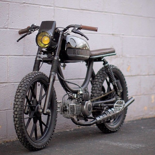 """The latest out of @roguebuilds of #Philadelphia ⚡️Full custom 1979 Puch Magnum built for cross fit super star Chris Spealler ! @cspealler #moped…"""