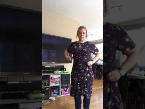 Tying over sized Lularoe Carly - YouTube