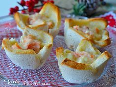 Cestini di pancarrè con salmone e robiola ricetta veloce facilissimi pochi ingredienti per un antipasto di sicuro successo