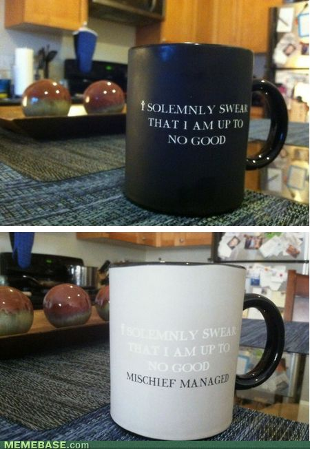 """""""I solemnly swear that I am up to no good"""" mug changes to """"mischief managed"""" mug when heated! Want, want, want, want, want. :D"""