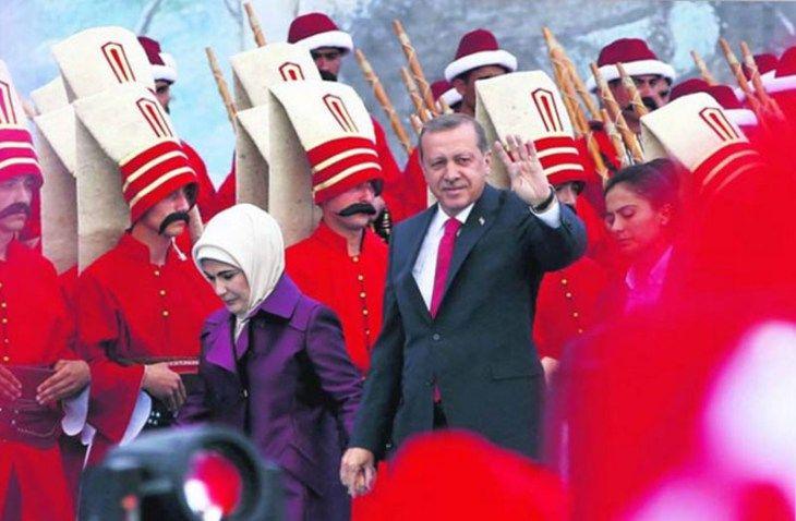 Erdogan auspica in pubblico il ritorno dell'Impero Ottomano