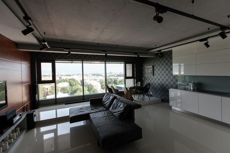 Мужская квартира с панорамным видом на город
