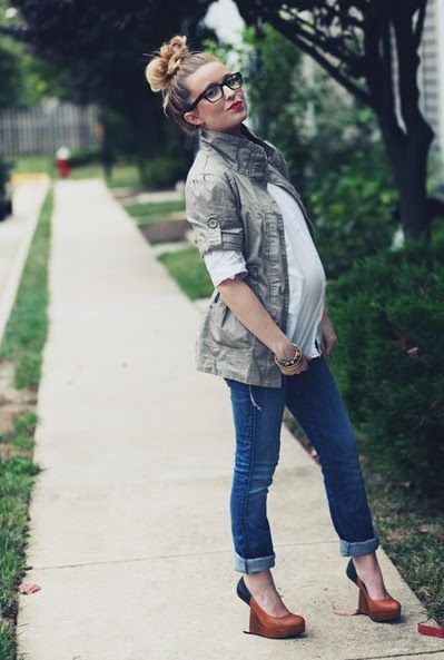 """""""What to Wear During Pregnancy"""" Broken Down by trimester."""