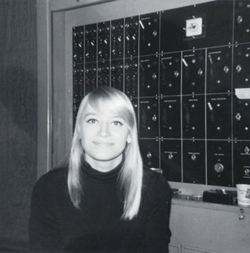 Mary Travers - Folk singer & member of Peter, Paul & Mary. She was born in Louisville, Kentucky.