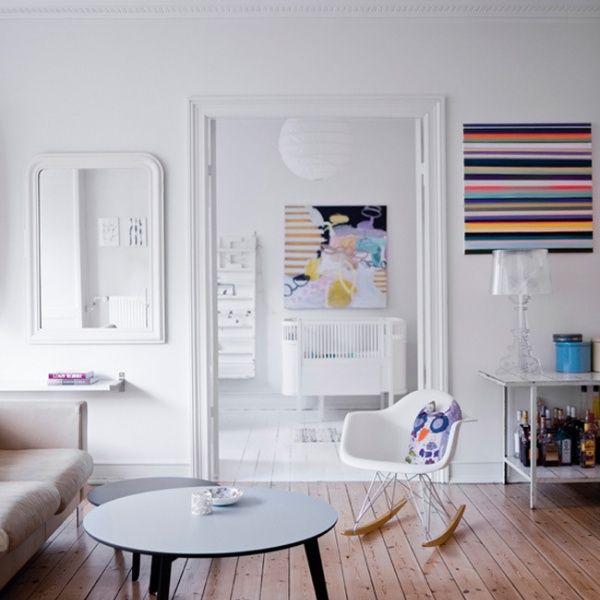 こんなナチュラルモダン、こんな家にしてみたい。いっつも思うのに、どんどん物が増えるんです。 白からのトーンで統一すると膨張してしまう部屋作りもアクセントのファブリックパネル。