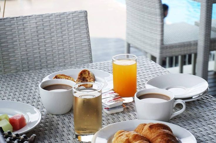 Friday morning breakfast 🥐🍞🥛 . . . #J4hotelslegian #J4hotels #LegianBali #Lifestyle #HotelBali #Holiday #InstaTravel #Vacation #LegianBali #Wanderlust #Destination #LegianStreet #RoofTopPool #RoofTopSwimmingPool #Bali #HappyHour #Traveler #Backpacker #Food #Yum #Delicious #Fresh #Delish #Eat #Hungry #Waffle #Bread #Coffee #Juice