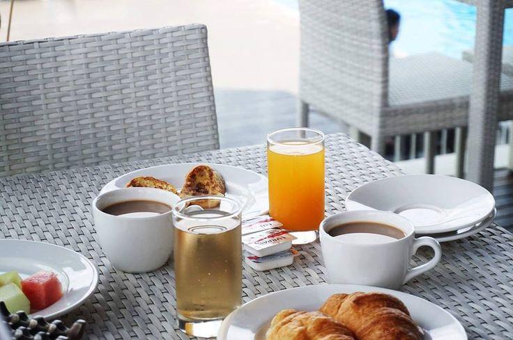 Friday morning breakfast 🥐🍞🥛 . . . #J4hotelslegian #J4hotels #LegianBali #Lifestyle #HotelBali #Holiday #InstaTravel #Vacation #LegianBali #Wanderlust #Destination #LegianStreet #RoofTopPool #RoofTopSwimmingPool #Bali #HappyHour #Traveler #Backpacker #Food #Yum #Delicious #Fresh #Delish #Eat #Hungry #Waffle #Bread #Coffee #Juice