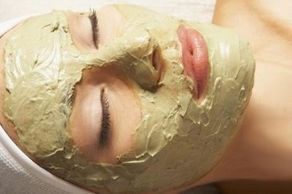 Due to cocoa's large amount of antioxidants, the mask can help you prevent premature aging of your skin and can give your skin a beautiful glow. Raw cocoa contains more than 320 different antioxidants (no other natural product contains as much). The mentioned antioxidants successfully fight free radicals in the body and protect against viral […]