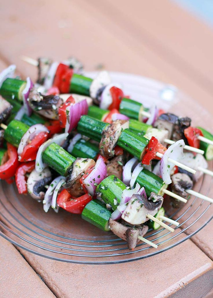 Grilled Veggie Kabobs with Orzo and Lemon-Basil Vinaigrette | Summer Grilling Recipes | What Dress Code?