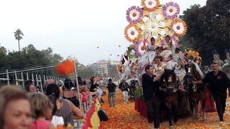 Ya puedes comprar las entradas para la Batalla de Flores por Internet - http://www.absolutvalencia.com/ya-puedes-comprar-las-entradas-para-la-batalla-de-flores-por-internet/