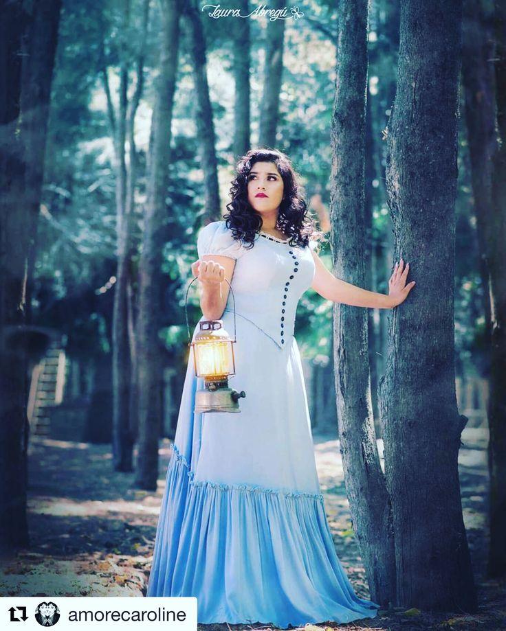 #Repost @amorecaroline ・・・ Alicia 💖 Ph. @laura.abreguph  Mua & hairstyle. @amorecaroline  Vestuario. Andrea Correa  Ella. Alba Locación. @campanopolis  #aliceinwonderland #photography #book #15años #quinceañera #fifteen #producciondefotos #campanopolis #mua #stylist #beauty #maquilladora #carolinemkup #lauraabreguph #aliciaenelpaisdelasmaravillas #photobook