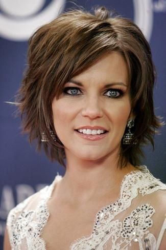 martina mcbride hairstyles11 check out the top choppy layers for height