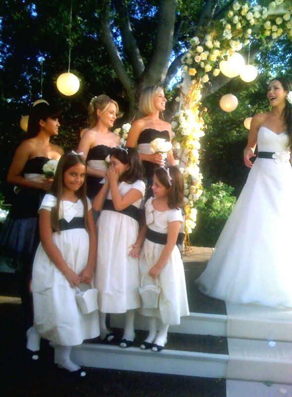 Dress styles for Linaritas Dinasty [Lalita in black, the little ones in white]