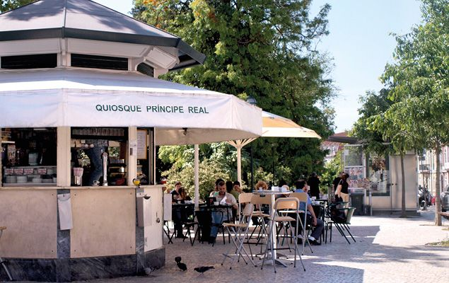 """quiosque oliveira principe real - Place to have an """"imperial"""""""