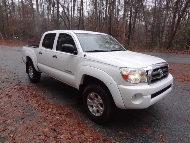 17 best ideas about toyota tacoma for sale on pinterest toyota tacoma lifted tacoma 4x4 and. Black Bedroom Furniture Sets. Home Design Ideas