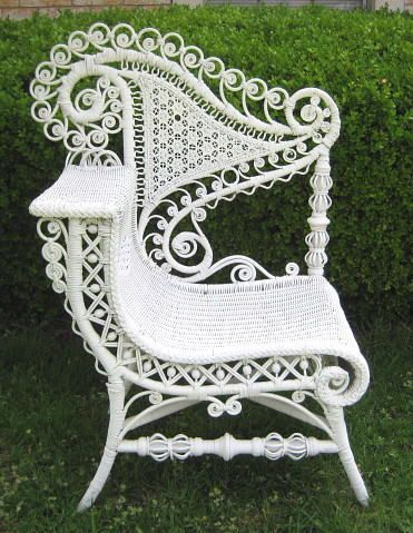 1890 Heywood Wakefield Victorian Rattan Wicker Photographer Posing Chair