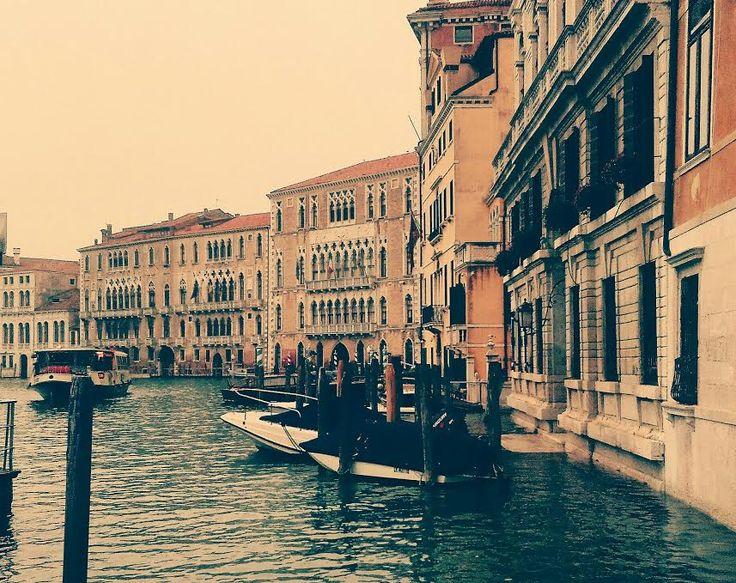 Il tempo scorre inesorabile , ma #Venezia non perde mai il suo incanto!