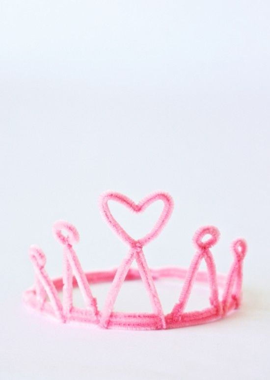 Corona de princesa con Limpiapipas. Pipe cleaner crown!