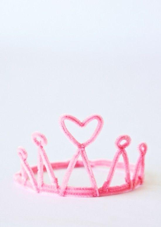 Corona de princesa con Limpiapipas. Pipe cleaner crown!