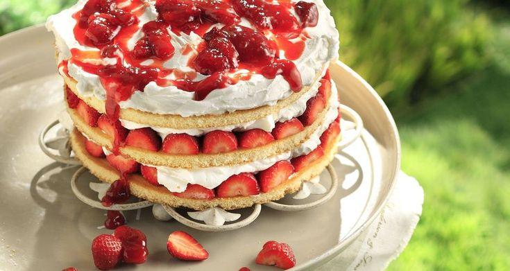 Καλοκαιρινή τούρτα με φράουλες