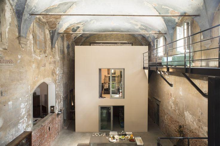 Rada Markovic, lighting design for Massimo Vitali home 11 Blue CEILING frontal view ph. Marco Campanini