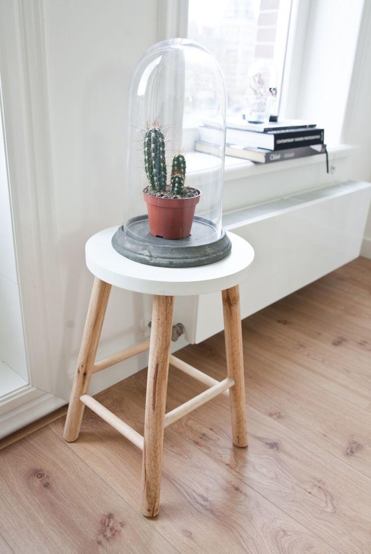 Cute Amsterdam apartment. Love!! #home #interior #homedeco #amsterdam #living #grey #white #homeiswheretheheartis #homesweethome #interiordesign #apartment #house #home #hometour Beeld © Elisah Jacobs/InteriorJunkie