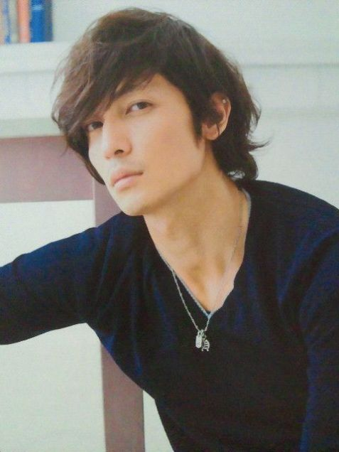 the hair...fits well. hiroshi tamaki