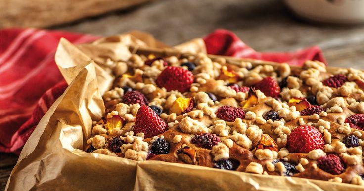Razowe #ciasto #drożdżowe z owocami. #delektujemy #pie #cake #fruits
