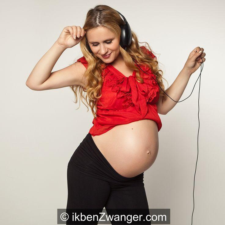 Deze zwangerschapsmaanden blijken een prachtige cursus loslaten te zijn. Waar ik in de eerste weken nog met praktische dingen kon wegkomen - opvang en kraamzorg regelen, verzekeraar informeren, to-do lijsten maken - krijgen onzekerheden nu langzaam maar zeker de overhand.  Naar welke deadline werk ik eigenlijk toe en wat lever ik dan precies op?  http://www.ikbenzwanger.com/cursus-loslaten-zwangerschap-blog-victoria.php