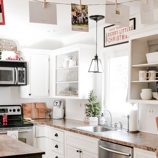 47 Likes 1 Comments Liz Naptimedecorator On Instagram This Kitchen Is Getting A Workout Today I Can T Even Belie Home Kitchens Holiday Kitchen Kitchen