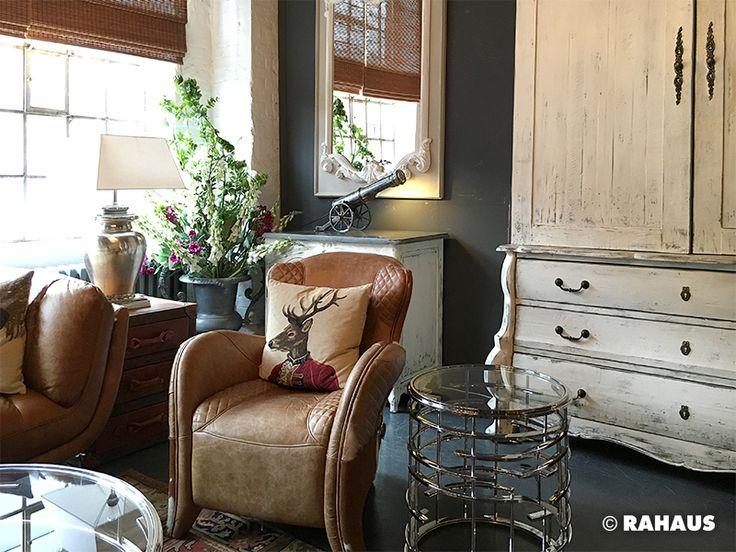 Sessel Blumen Kommode Spiegel Mirror Wood Carpet Beistelltisch Mbel Berlin Einrichtung Interior Design Wohnen Einrichten Mbelhaus