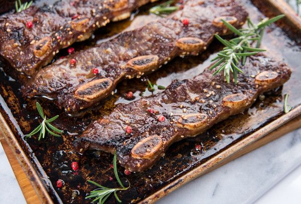 #Ribs! Braise, then grill these beauties. They're tender, juicy, and meaty. Accompanied by 4 chuck steaks, shank steak, and single-animal ground beef. 2lbs #Short #Ribs (bone-in) 1, 1.5lb #Shank Steak (bone-in) 4lbs Single-Animal#Ground #Beef 5 shares available, 7.5lbs/share