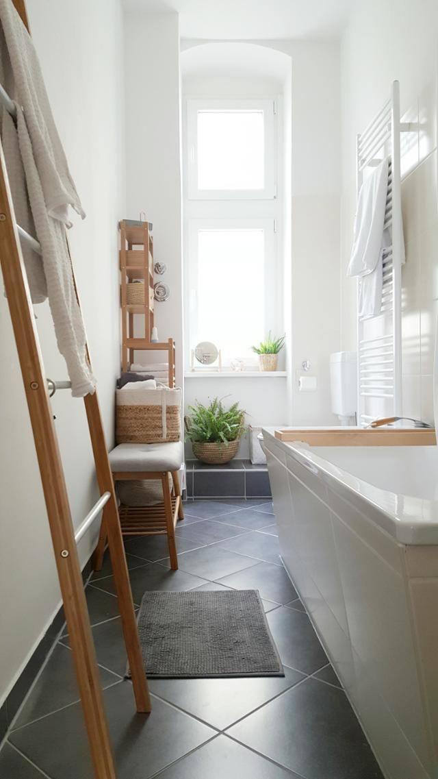 Problemzone Schlauchbad? Diese Badezimmerlösung im skandinavischen ...