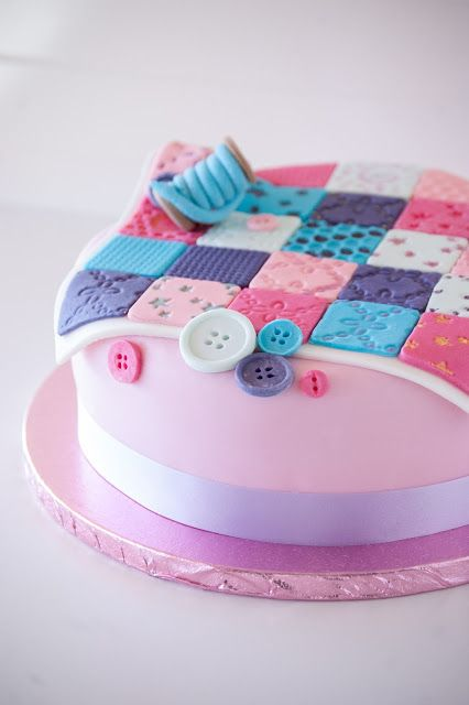 Quilting Cake Decorating : Best 25+ Quilted cake ideas on Pinterest Fondant cake decorations, Quilted cake tutorial and ...