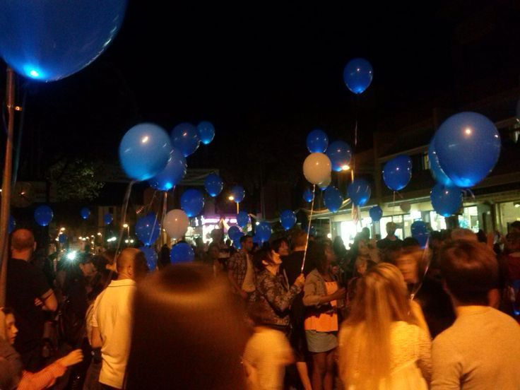 Il volo dei mille palloncini blu!!!! #notteceleste