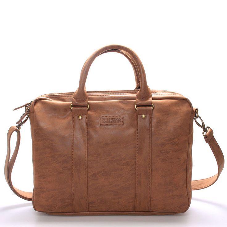 """#styl #elegance Stylová elegantní hnědá taška - brašna Enrico Benetti na 15"""" notebook. Ochraňte svůj počítač před vnějšími vlivy kvalitně a stylově! Brašna má kvalitní kovové zipy na dvou hlavních přihrádkách, uvnitř má kapsu na notebook (max. 37 x 28 cm) a kapsu na tablet (max. 23 x 27 cm) a další drobnější kapsičky viz foto. Popruh je odnímatelný a nastavitelný. Novinka 2016/2017!"""